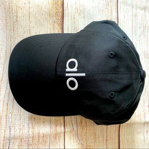 Black ALO YOGA cap